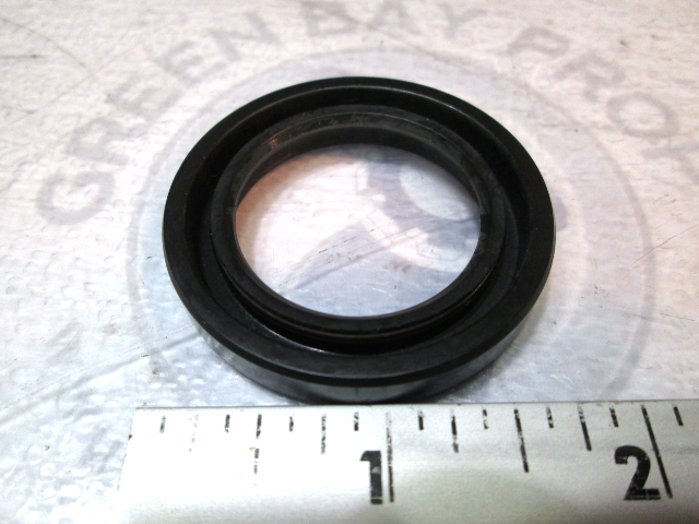 93101-30M17-00 Yamaha Outboard Prop Shaft Oil Seal 115-225HP