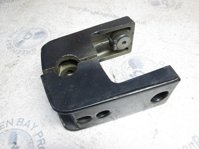 817946A2 LEVER  F369364 ARM   force mercury 1991 90hp lock handle shaft rod pin