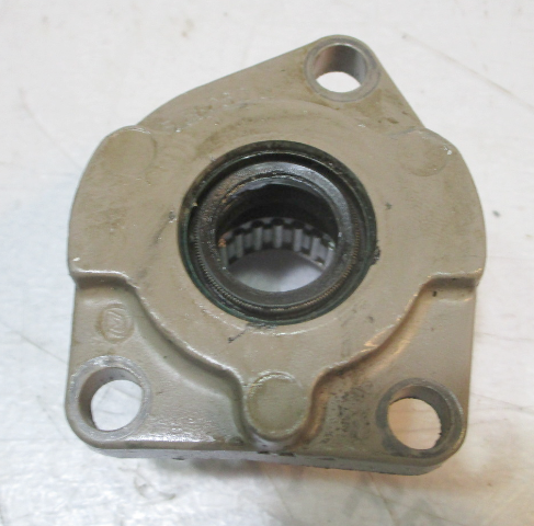 0435274 OMC Evinrude Johnson Outboard 40/50 HP Bearing Housing Assembly