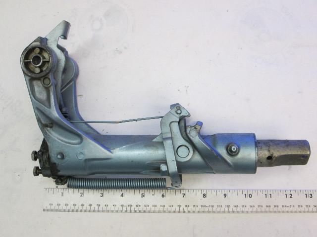 382648 Evinrude Johnson Tilt Steering Swivel Bracket 0382648 1968-1971