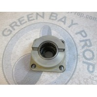 0397493  Evinrude Johnson Outboard Driveshaft Bearing Housing & Seal 397493