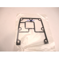 329828 0329828 ADAPTER COVER GASKET Evinrude Johnson Outboard 50-70 HP