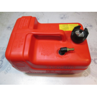 9729 Series Quicksilver Plastic Red Remote Portable Marine Gas Tank 3.2 Gallons