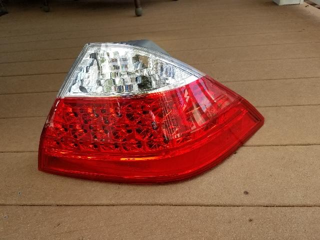 Fits 06-07 Accord Hybrid Tail Lamp / Light Quarter Mounted Right Pass Damaged Corner