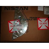 Nissan Right Pass Rear Small Fixed Vent Glass for 00-03 Maxima, 00-04 Inf I30, I35 OE