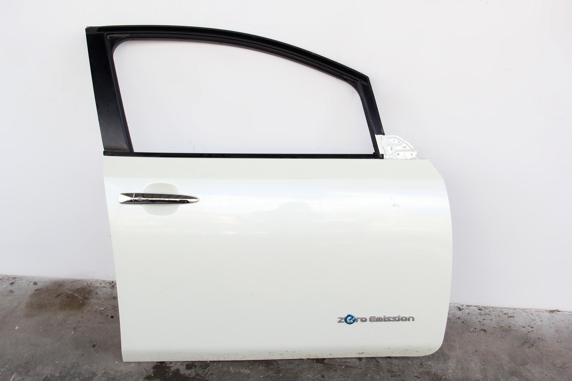 Nissan Leaf Front Door Assembly White Right/Passenger H010M-3NAMA OEM 2012