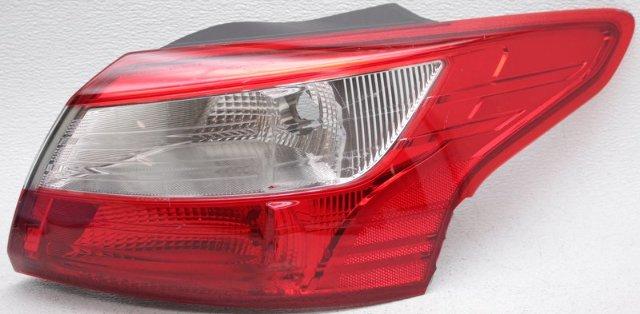 OEM Ford Focus Sedan Right Passenger Side Tail Lamp Lens Chip