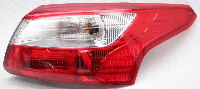 OEM Ford Focus Sedan Right Passenger Side Tail Lamp Lens Chips