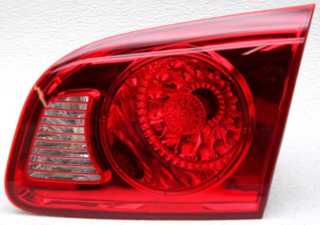 OEM Hyundai Santa Fe Right Passenger Side Halogen Tail Lamp Lens Crack