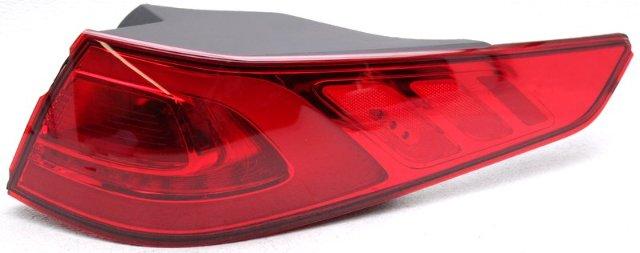 OEM Kia Optima (US built) Right Passenger Side LED Tail Lamp Lens Chips