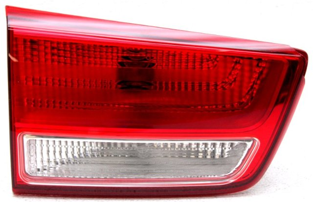 OEM Kia Sedona Left Driver Side Tail Lamp Lens Chip 92405-A9400