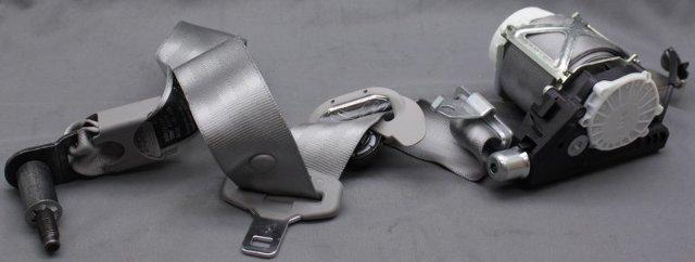 OEM Kia Rondo Front Driver Seat Belt 88810-1D500S8