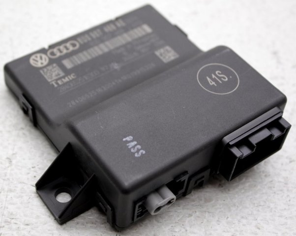 OEM Audi Q3 Communication Control Module 8U0 907 468 AE