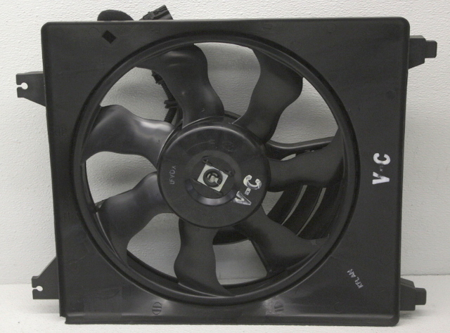 OEM Hyundai Entourage, Kia Sedona Left Radiator Fan 97730-4D900
