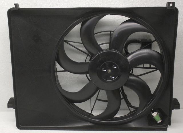 OEM Kia Rondo Radiator Condenser Fan 25380-1D200 - Chipped