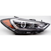 OEM Hyundai Elantra Sedan Right Passenger Side Halogen Headlamp Tab Missing