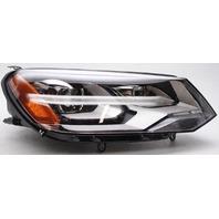 OEM Volkswagen Touareg Right Passenger Side HID Headlamp Peg Missing