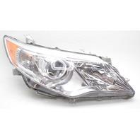 OEM Toyota Camry Right Passenger Side Halogen Headlamp 81110-06470 Lens Chip