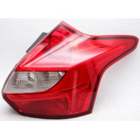 OEM Ford Focus Hatchback Right Passenger Side Halogen Tail Lamp Lens Crack