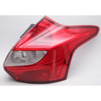 OEM Ford Focus Hatchback Right Tail Lamp DM5Z-13404-C - Lens Crack