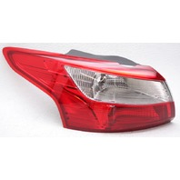 OEM Ford Focus Sedan Outer Left Driver Side Tail Lamp DM5Z-13405-E Lens Chipped
