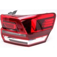 OEM Volkswagen Atlas Right Passenger Side Halogen Tail Lamp Lens Crack