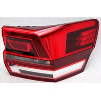 OEM Volkswagen Atlas Right Passenger Side Halogen Tail Lamp 3CN-945-096