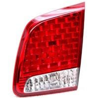 OEM Kia Sorento Right Side Halogen Lid Mounted Tail Lamp 92406-1U000 Lens Crack