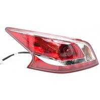 OEM Nissan Altima Sedan Left Driver Side Halogen Tail Lamp Trim Missing