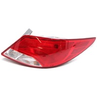 OEM Hyundai Accent Sedan Outer Right Tail Lamp 92402-1R610 Lens Chip