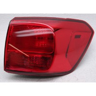 OEM Kia Sedona Outer Right Tail Lamp 92402-A9020 - Lens Crack & Chip
