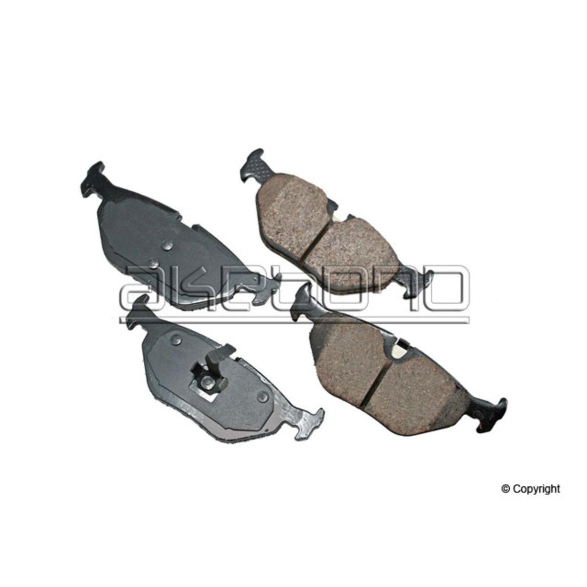 Disc Brake Pad Set-Euro Ultra Premium Ceramic Pads Rear Akebono EUR763