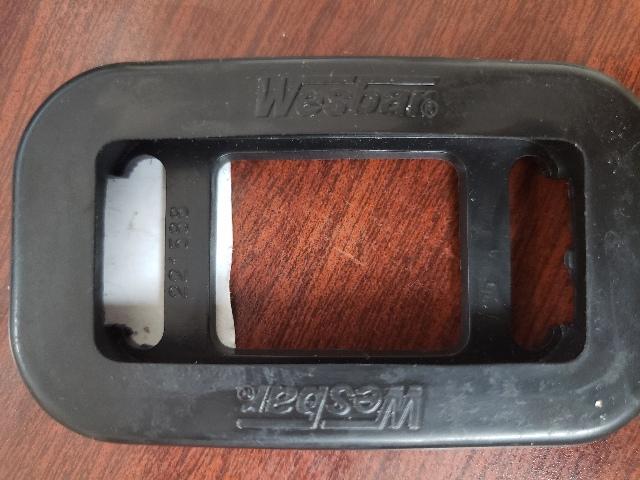 Wesbar Replacement Rectangular Grommet 221588 MD