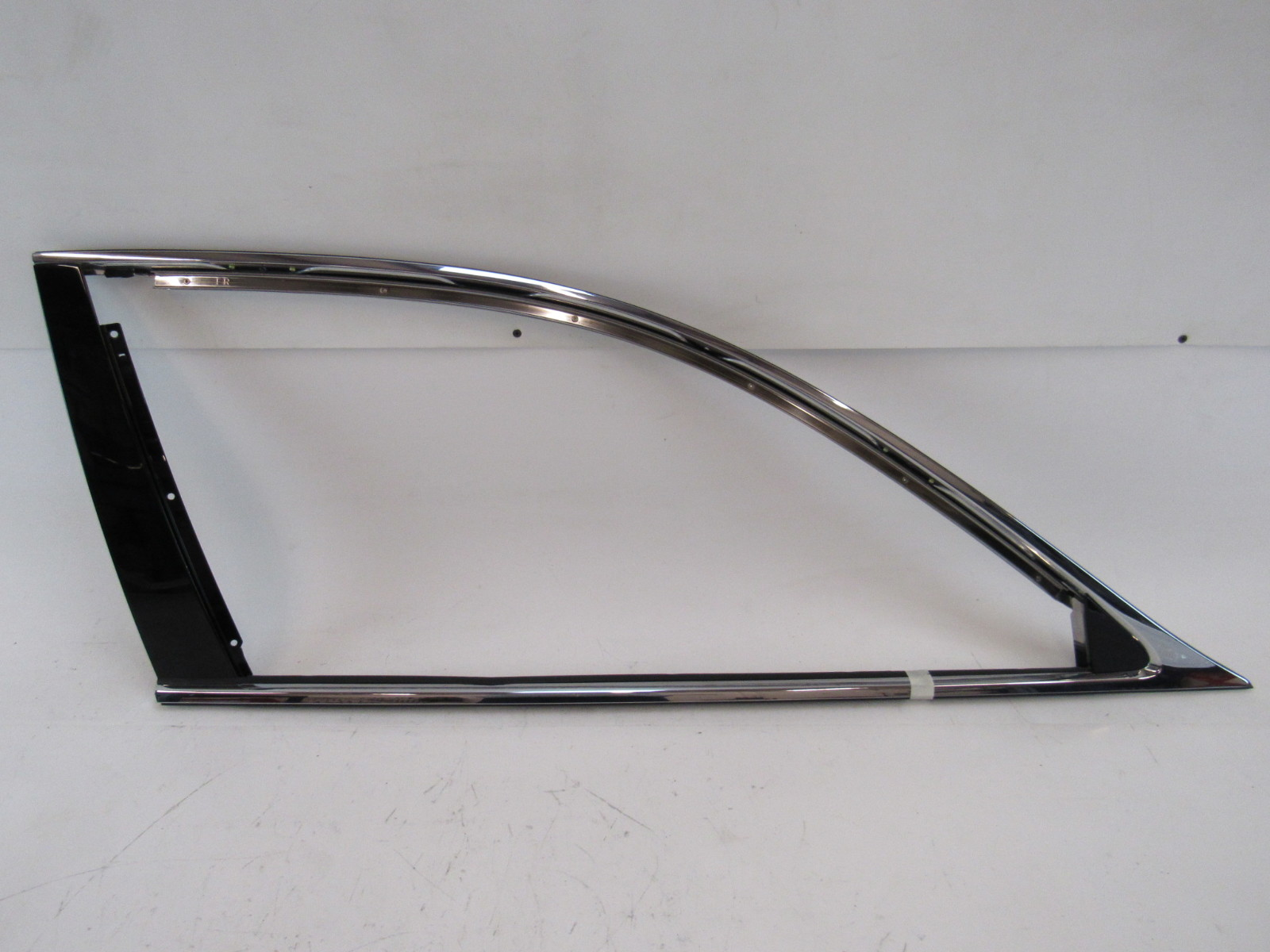 08 Lexus LS460 LS460L trim, door moulding, window surround, right front | S  Auto Parts