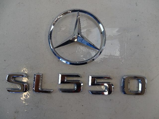 07 Mercedes R230 SL550 emblem set, on trunk lid SL550