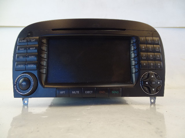07 Mercedes R230 SL550 SL55 navigation unit, command center, radio, 2308209289