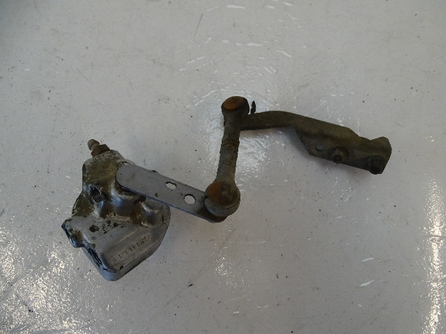 87 Mercedes W126 560SEC valve, sls self leveling suspension 1233280531