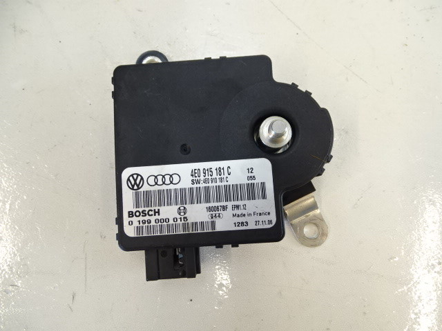07 Audi D3 A8 module, battery monitorinng 4e0915181