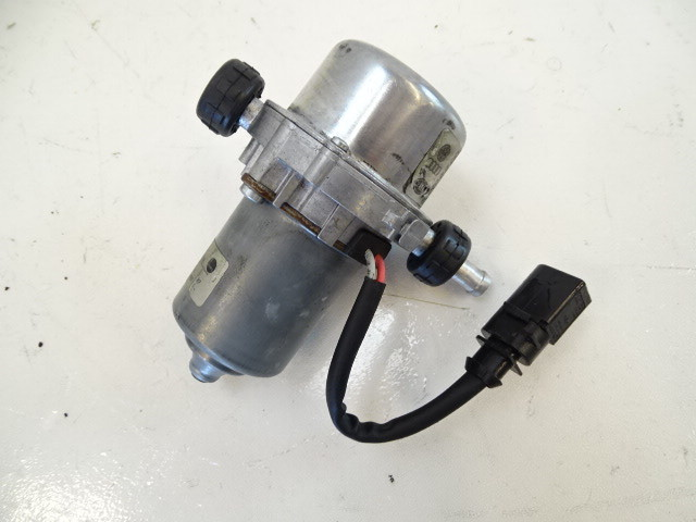 07 Audi D3 A8 vacuum pump, brake booster 8e0927317