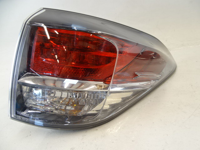 13 Lexus RX350 lamp, taillight, right outer 881550-0E090