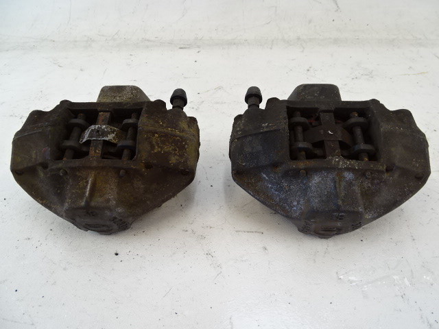 90 Mercedes W126 560SEL 420SEL brake calipers, rear, left and right, bendix