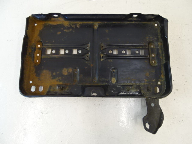 89 Mercedes W126 420SEL 560SEL battery tray support 1266200418
