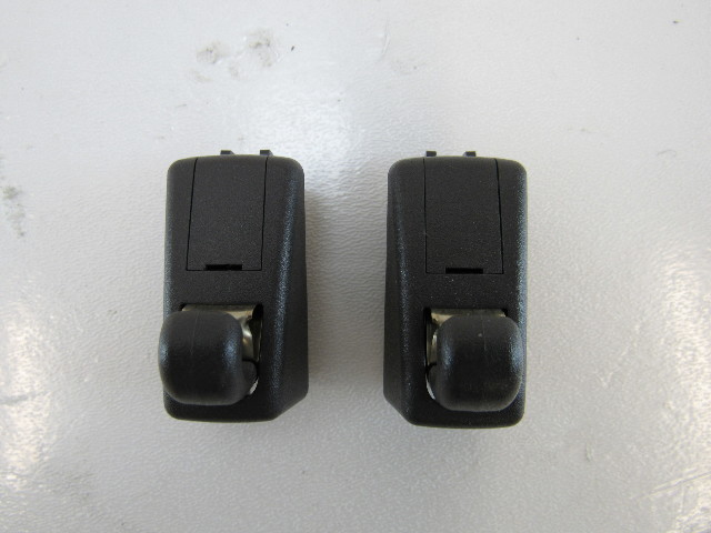 15-17 Porsche Macan sun visor clips 495799abbce