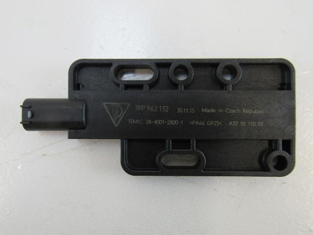 15-17 Porsche Macan antenna, keyless entry 7pp962132