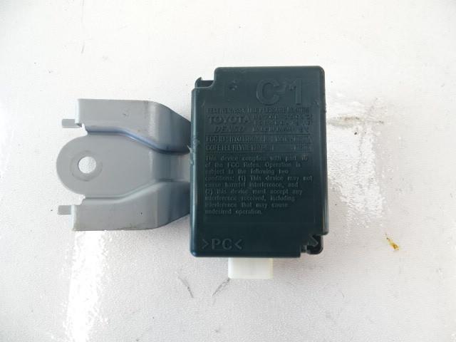 Toyota 4Runner N280 module, tire pressure receiver 89760-35042