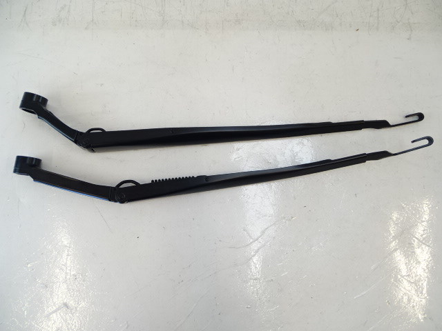 Lexus GX460 windshield wiper arms, front 85221-60330 85211-60310