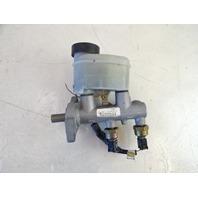 02 Toyota Sequoia brake master cylinder 47201-0C041