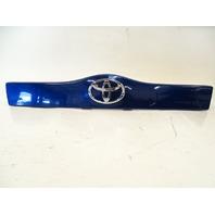 09 Toyota Prius trim, tailgate grarnish panel 76801-47050