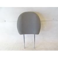 16 Kia Soul headrest, front, gray cloth