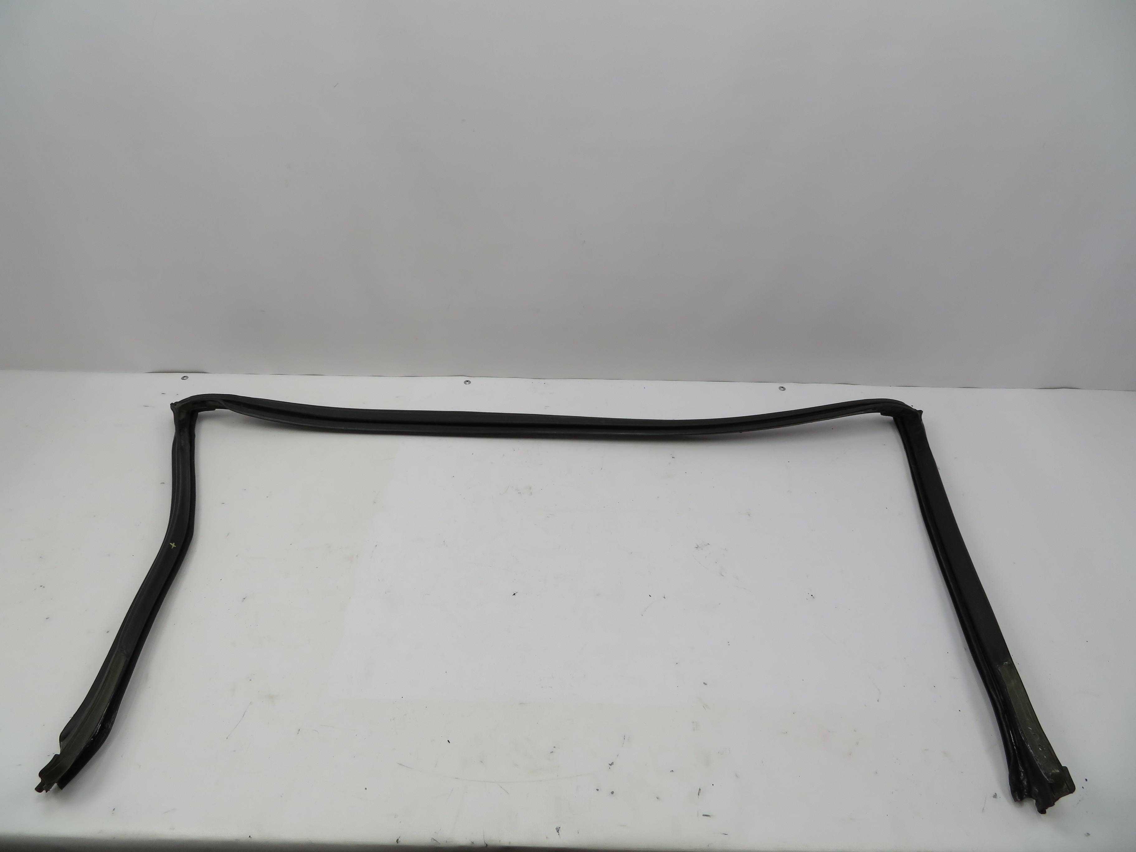 BMW E36 Z3 Windscreen Trim Cover Plastic Rivet Clip 51718226190